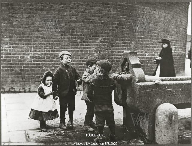 Street Fountain, Battersea, photo Paul Martin. England, late 19th century